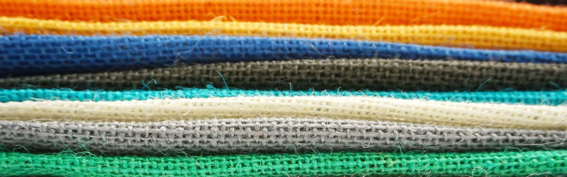 Λινάτσα σε χρώματα